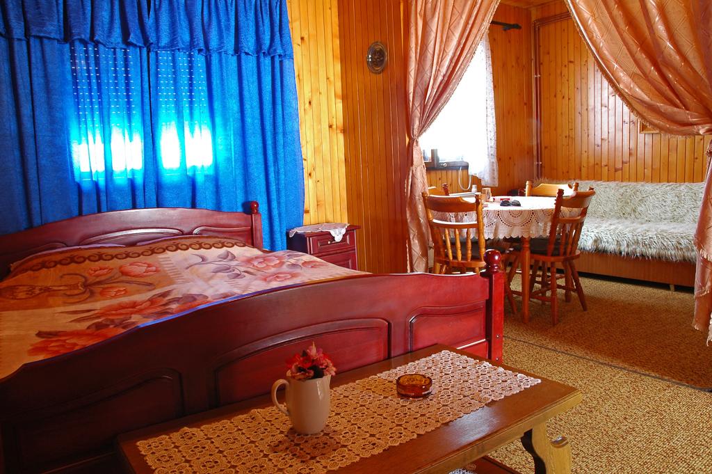 Durmitor Autocamp Razvrsje Bedroom 1